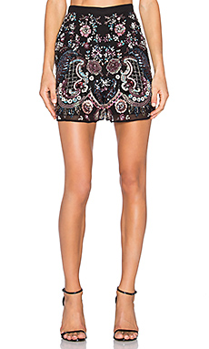 Cinder Lace Short in Black