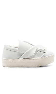 厚平底运动鞋