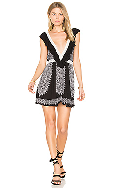Ventura Ruffle Short Dress en Noir & Blanc