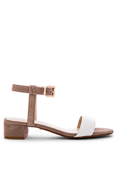 Andie Sandal in White & Taupe