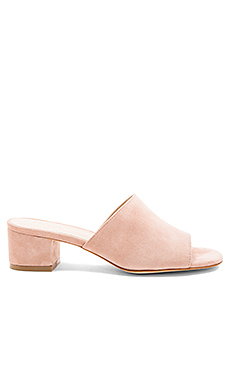 Cara Mule in Nude