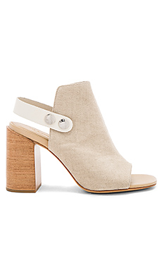 Leigh Heel in Natural Canvas