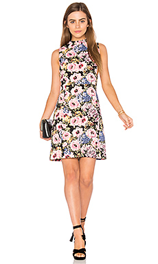 Sleeveless Lavinia Rose Dress en Black & Camellia