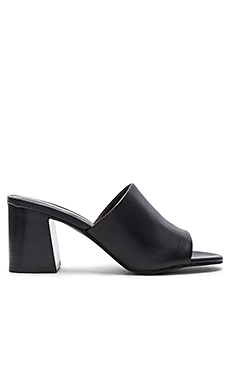Commute Heel in Black Leather