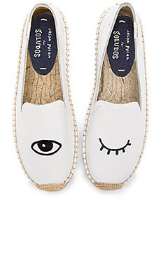 Embroidered Platform Smoking Slipper en Blanc