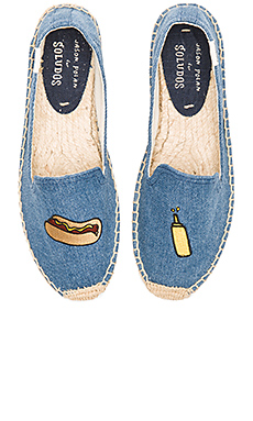 Embroidered Smoking Slipper en Medium Denim
