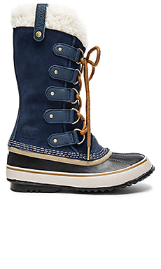 Joan of Arctic Sherpa Boot – Collegiate Navy