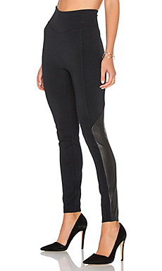 LEGGINGS EMPIÈCEMENTS PERFORÉS