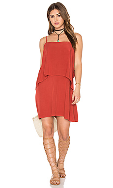 Sleeveless Overlay Mini Dress en Rouge Brique