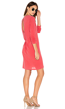 Open Back T Shirt Dress en Chili