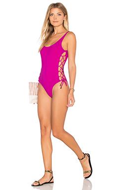 LAURA 一件式泳装