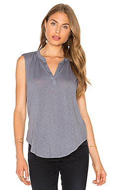 Cleo V Neck Top en Coal