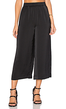 PANTALON CROPPED À JAMBES LARGES